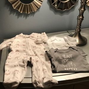 4pc 3 Months Carter's Onesies Lot